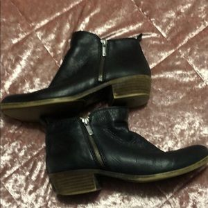 Size 9 black leather lucky brand booties